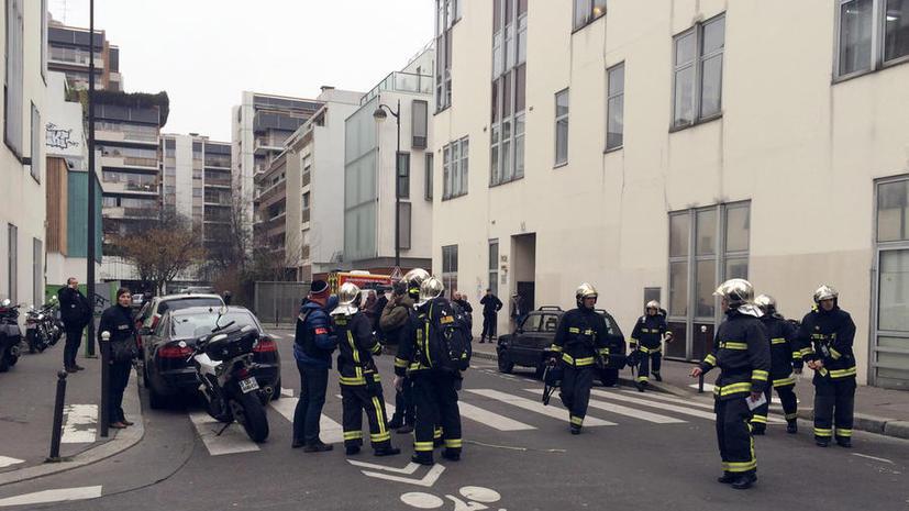 Первые фото и видео с места трагедии в парижской редакции, где были убиты 12 человек