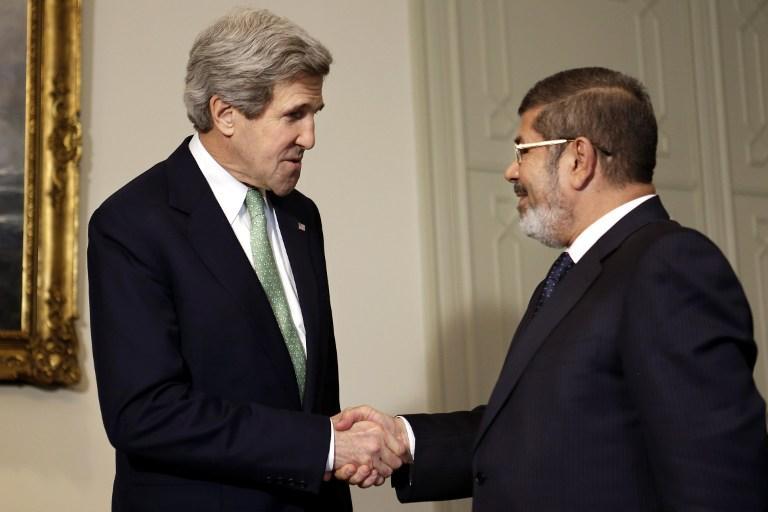 США предлагали Мурси сделку, обещая помочь сохранить власть