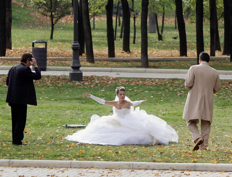 Каждый пятый брак в городах Великобритании - фиктивный