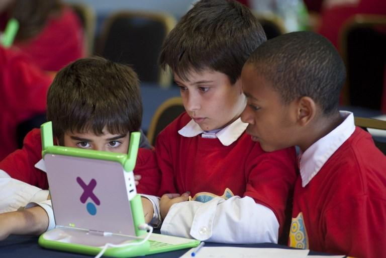 Из-за нехватки средств школьников в США стали обучать истории виртуально