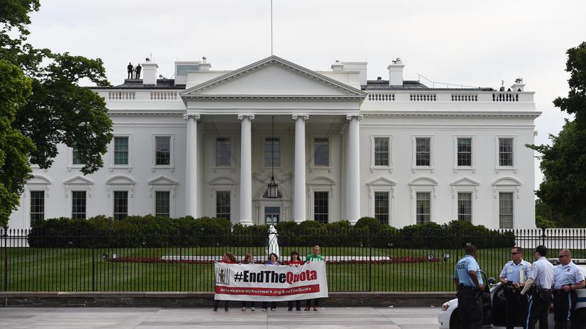 Агентов Секретной службы США сняли с охраны Белого дома, чтобы следить за соседом сотрудницы ведомства