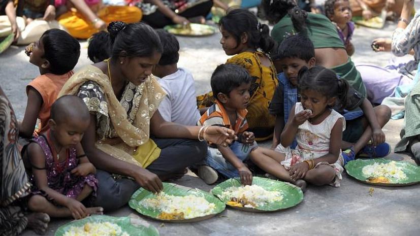 Индийскому правительству пришлось извиниться перед бедняками за собственное невежество