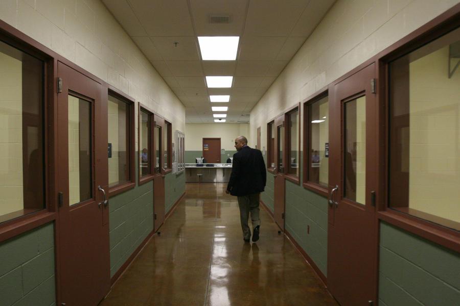 В США мужчина провел в тюрьме 38 лет за убийство, которого не совершал