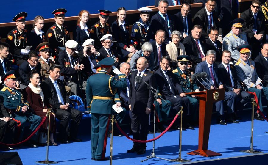 Британские СМИ: Владимир Путин перехитрил Дэвида Кэмерона, не приехавшего 9 мая в Москву