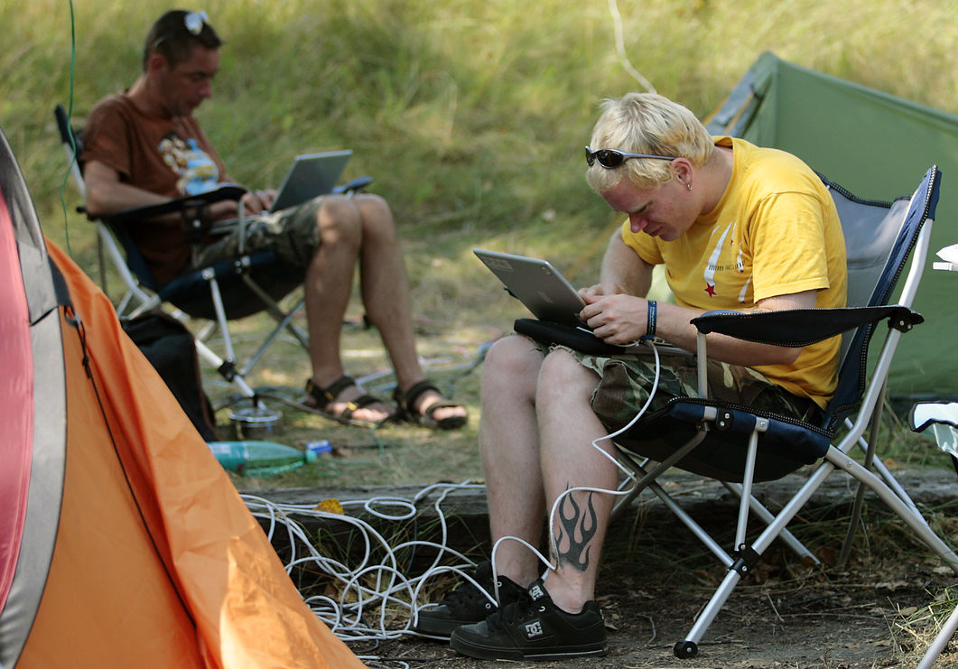 В США интернет-пиратам снизят скорость