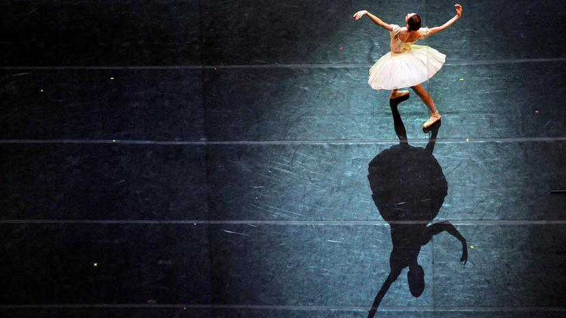 Газета «Известия»: артистам Мариинского театра негде переодеваться в новом здании