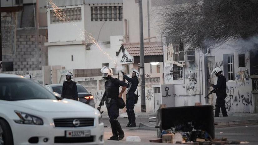 СМИ: Правительство Бахрейна должно избрать символом страны канистру слезоточивого газа