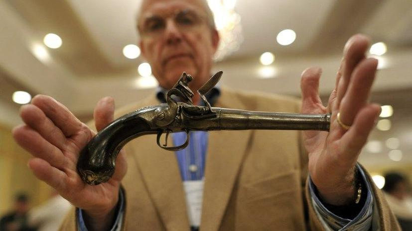 Пистолет капитана Кука продан за $227.100