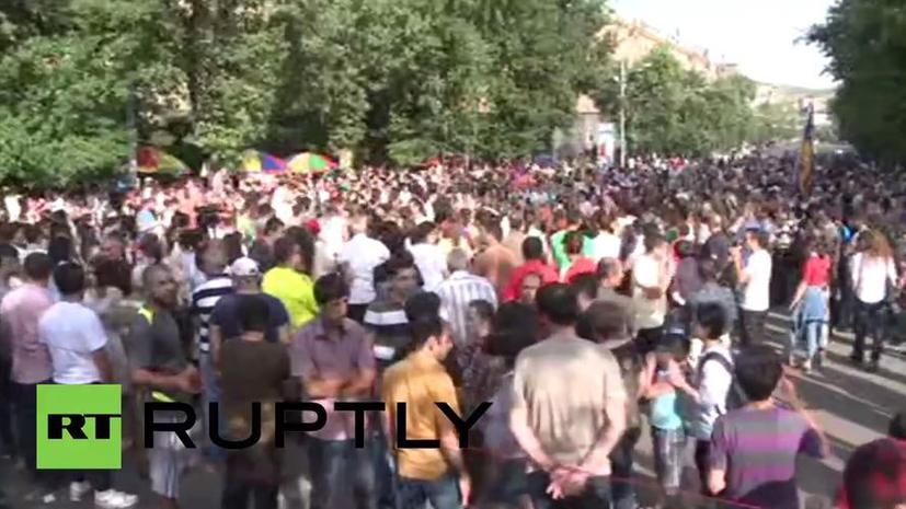 Акция в центре Еревана 27 июня 2015 года