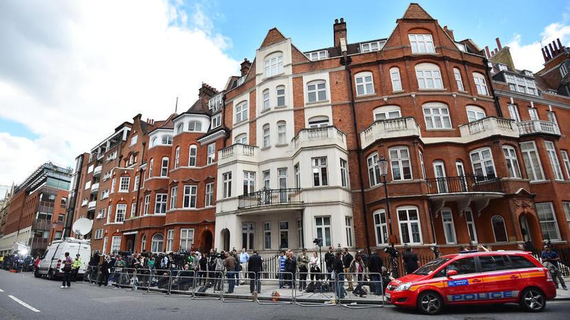 Скотланд-Ярд потратил почти $14 млн на охрану посольства Эквадора, где скрывается Джулиан Ассанж