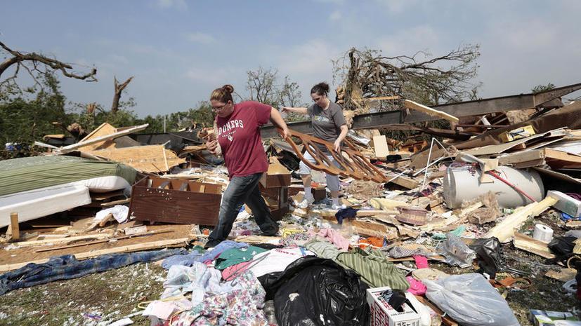 Школьники в Оклахоме погибли, укрывшись от урагана в подвале