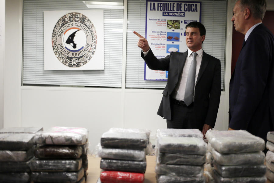 Наркоторговцы переправили из Венесуэлы во Францию более тонны кокаина