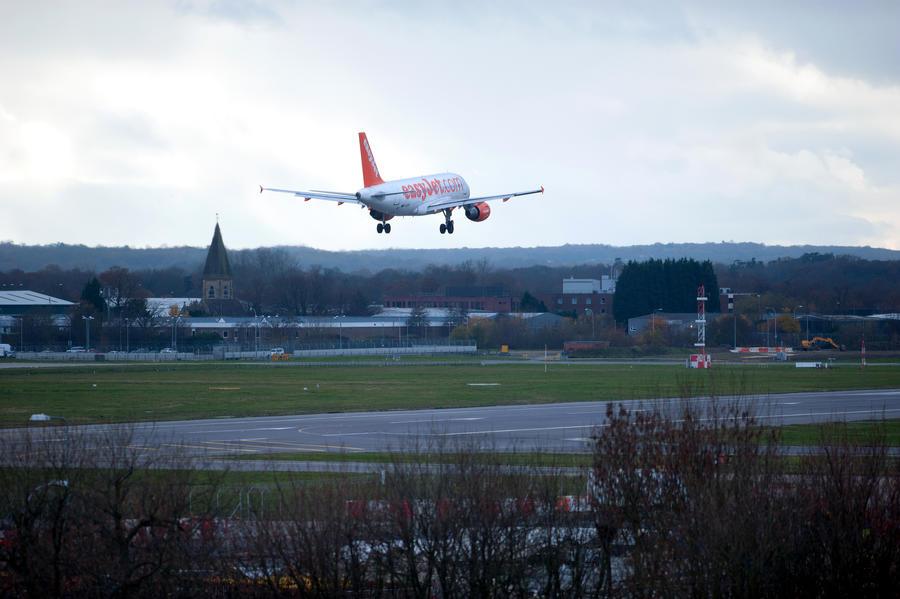Авиахулиганов могут обязать платить залог за спокойный полёт