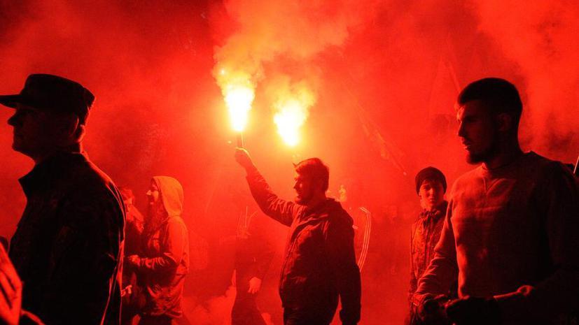 Foreign Policy: Признав националистов героями, Украина забьёт гол в свои ворота