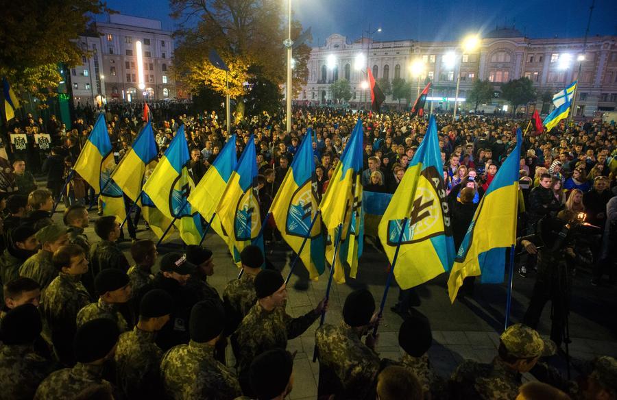 Политолог: Украинские войска подчиняются олигархам, а не главнокомандующему