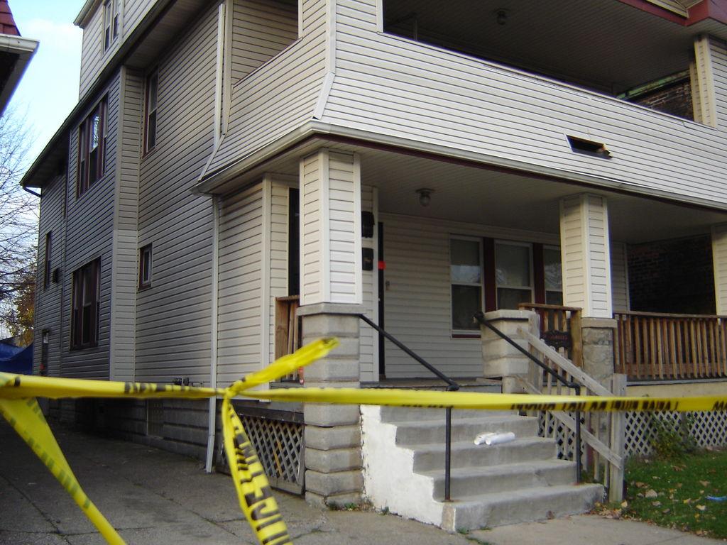 В США отец убил 12-летнюю дочь и застрелился сам