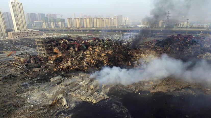 Число жертв пожара в Тяньцзине возросло до 85 человек, на месте трагедии слышны новые взрывы