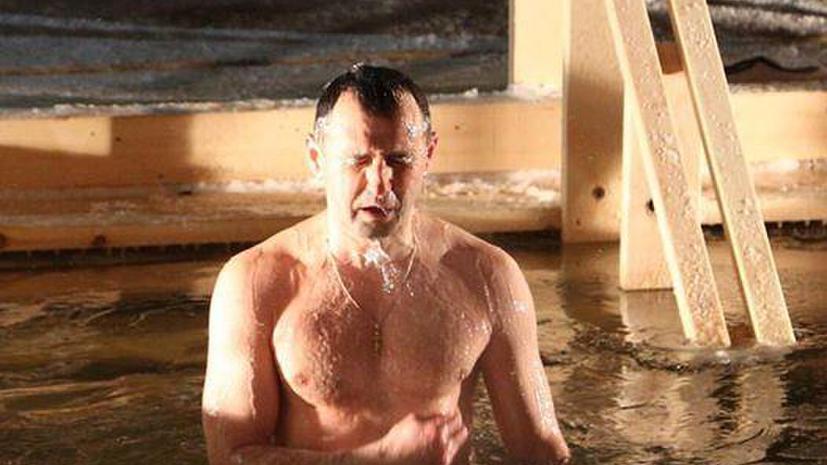 Крещенские купания в фотографиях пользователей соцсетей