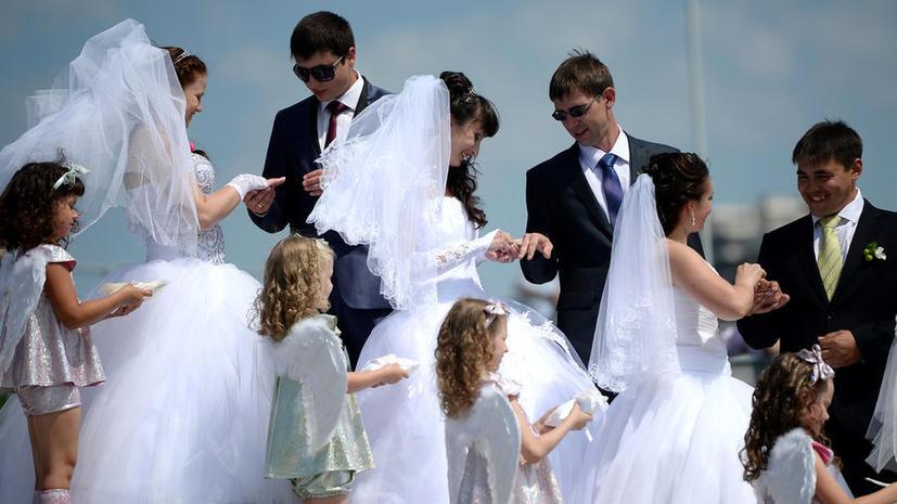 Конституция РФ может уточнить понятие брака как «союза между мужчиной и женщиной»