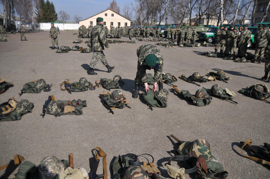 Советник Петра Порошенко: Украину не пустят в НАТО в валенках и тулупе
