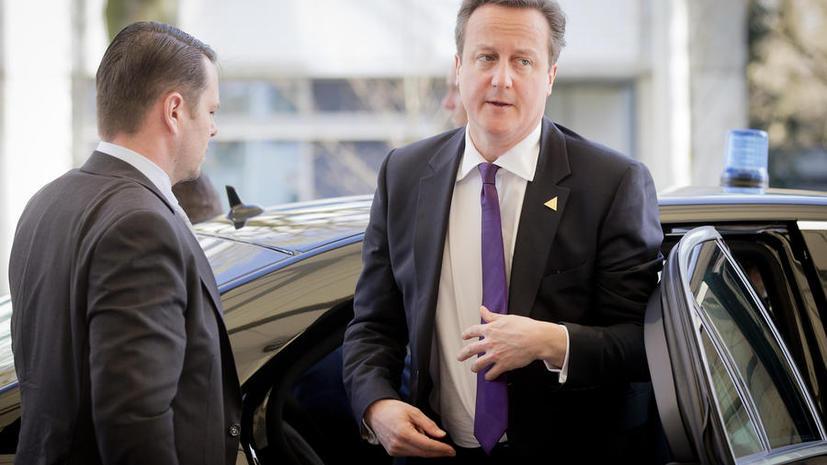 Соперники Дэвида Кэмерона по выборам уверены, что британский премьер не пошёл на дебаты из-за паники