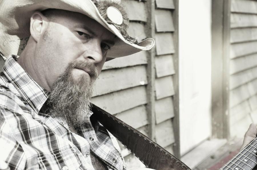 Владелец бара в США застрелил известного кантри-исполнителя за курение в неположенном месте