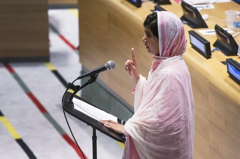 Лидер талибов «шокирован» покушением на жизнь пакистанской школьницы
