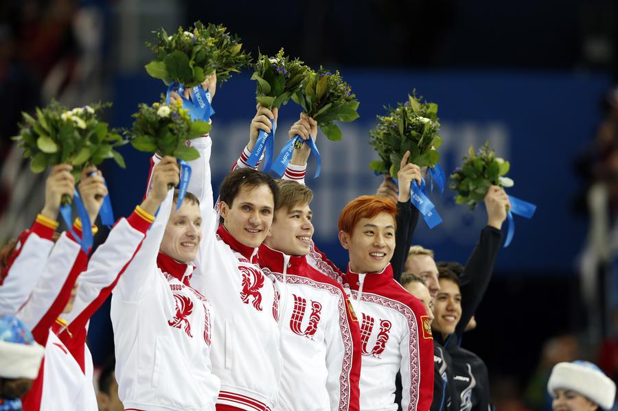 Сборная России сегодня выиграла две золотые и одну серебряную медаль
