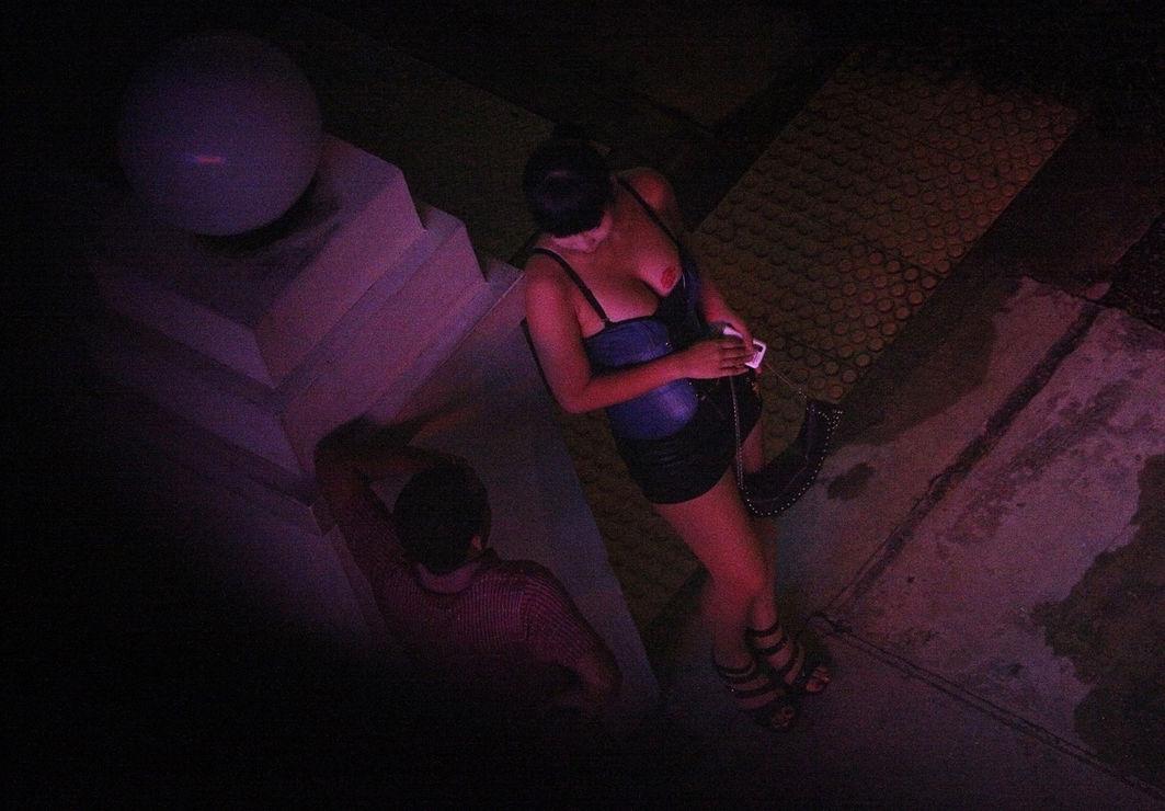Facebook превратился в площадку для вербовки проституток в США