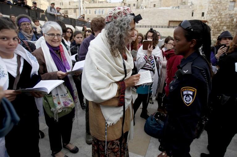 Женщин-паломниц задержали за молитвы у Стены плача в Иерусалиме