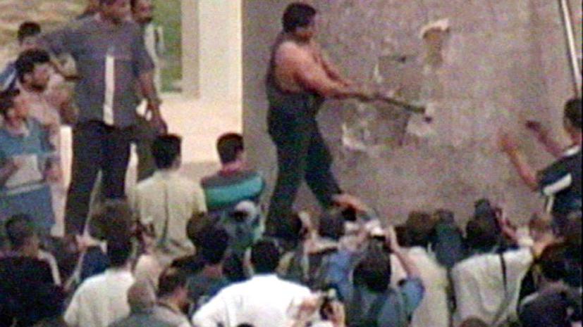 Житель Ирака, снесший статую Саддама Хусейна, горько сожалеет о содеянном