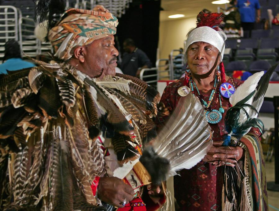 Глава племени Ноттовей: Барак Обама игнорирует права индейцев штата Вирджиния
