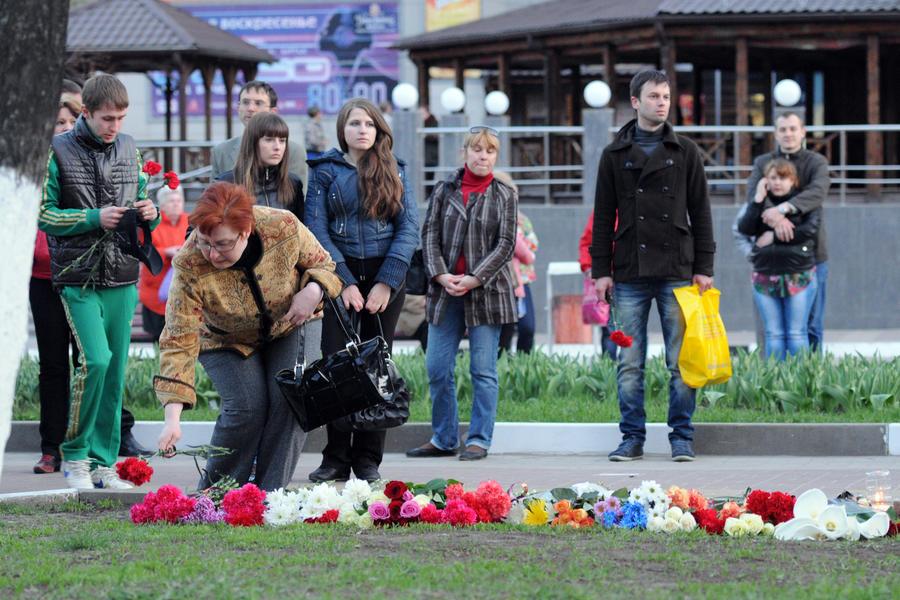 «Психопат с лицензией на оружие» – пользователи социальных сетей обсуждают бойню в Белгороде