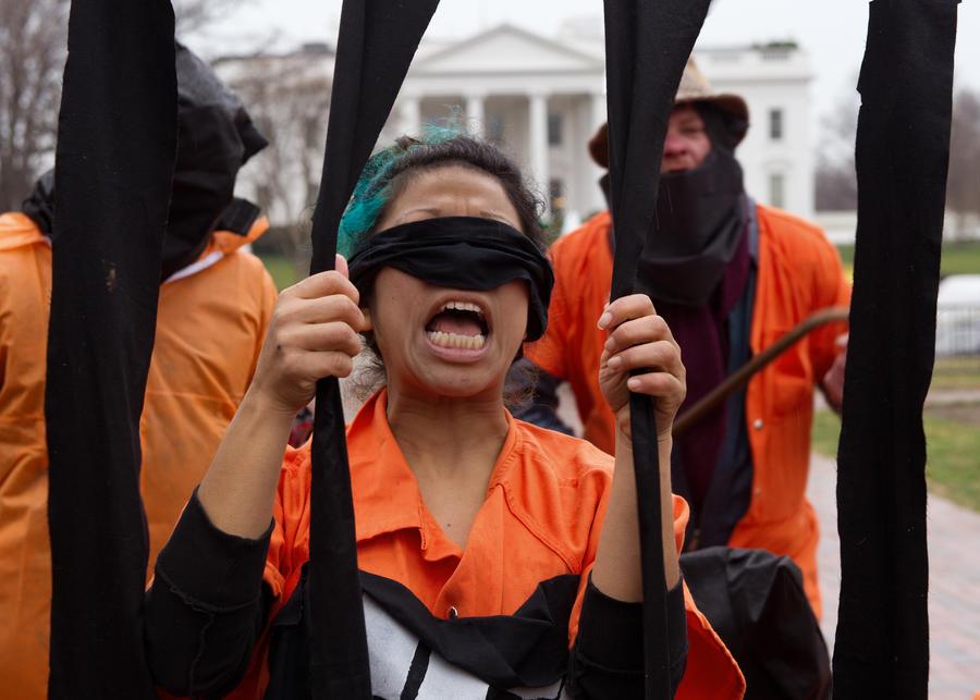 Правозащитники: Пентагон не признает масштабов голодовки в Гуантанамо