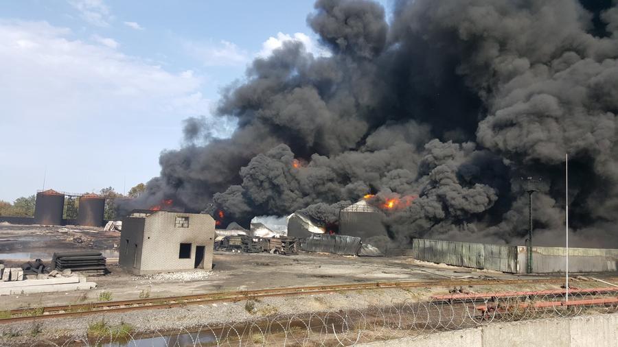 Четыре человека стали  жертвами пожара на нефтехранилище под Киевом