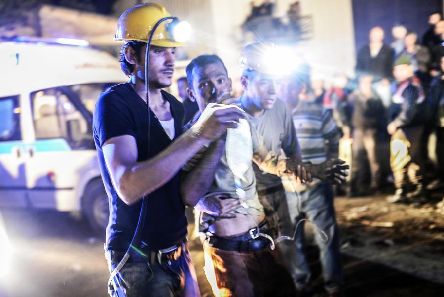 Власти Турции заявляют о более 200 погибших в результате обвала в шахте