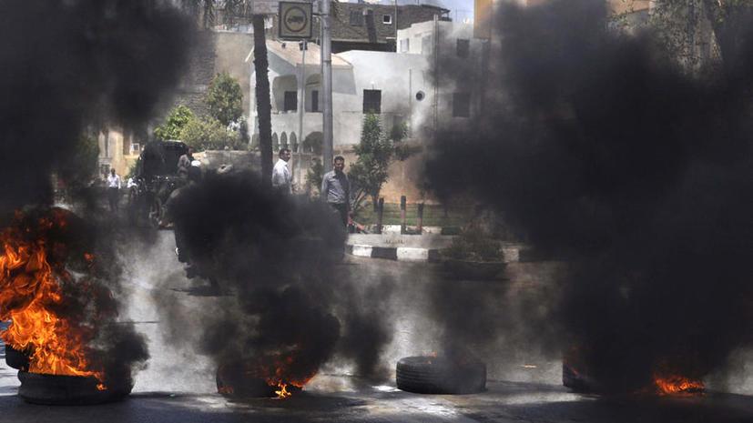 Танки встали на защиту президентского дворца в Каире