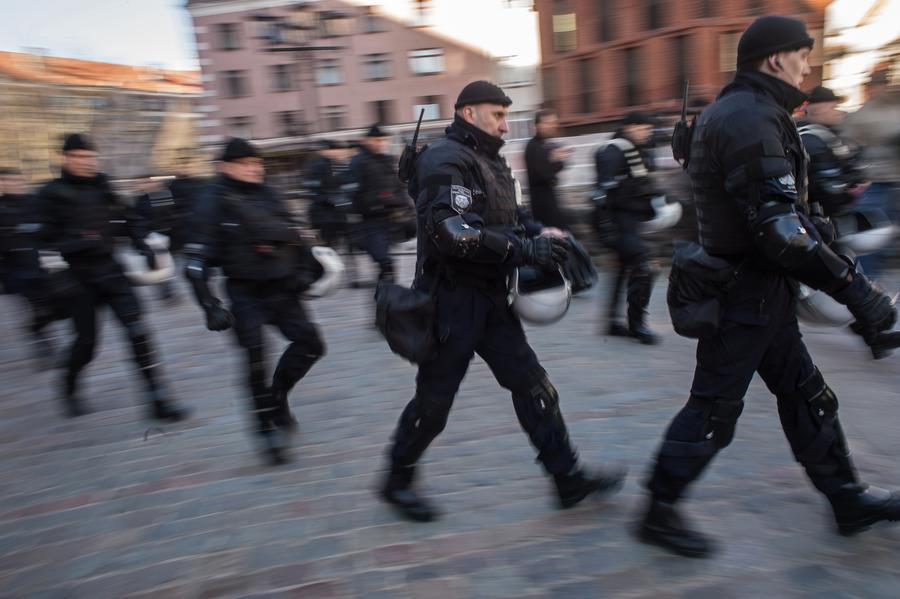 СМИ: В Латвии собирают подписи за переселение русских неграждан на отдельные территории