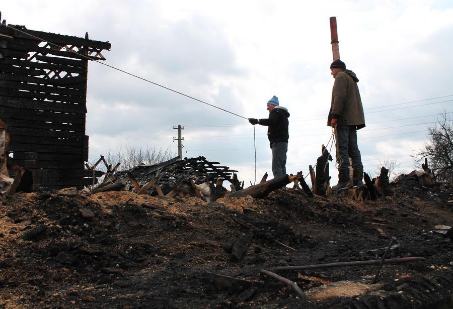 Украинские силовики открыли огонь по городской больнице, окрестностям храма и жилого дома в Донецке