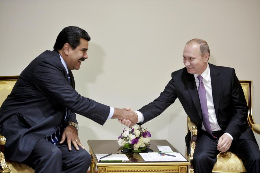 СМИ: Венесуэла намерена объединить усилия с Россией в борьбе с падением цен на нефть