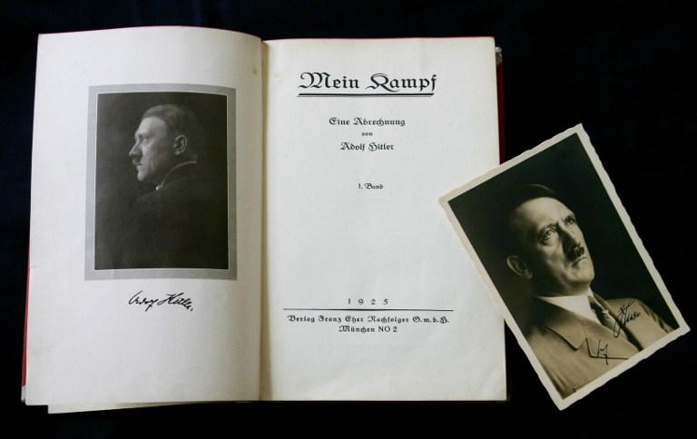 СМИ: книга Адольфа Гитлера «Майн Кампф» стала бестселлером в Сети