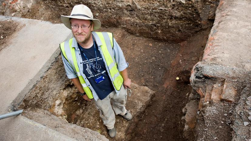 В Англии под парковкой, возможно, обнаружили останки Ричарда III