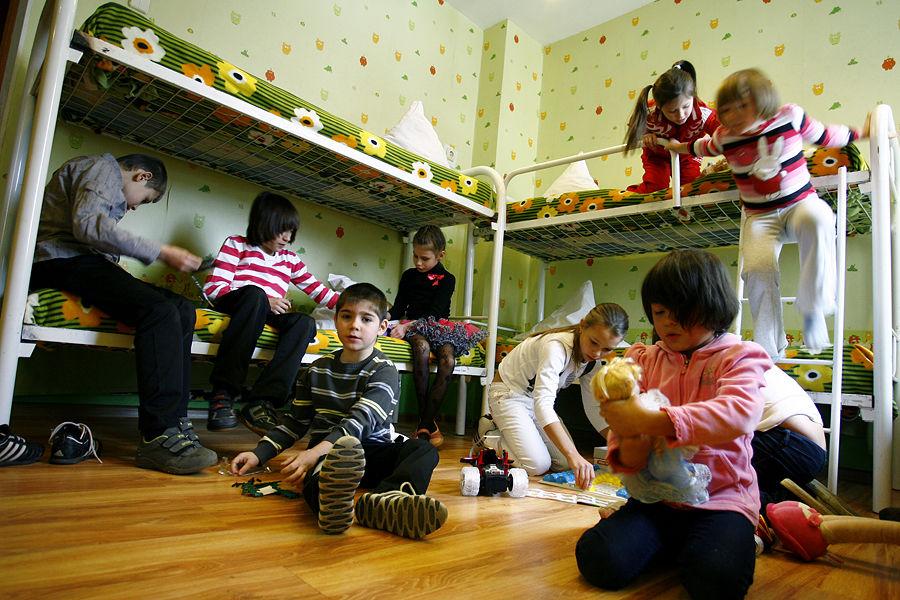 Прокуратура США обещает расследовать случаи насилия над детьми из России