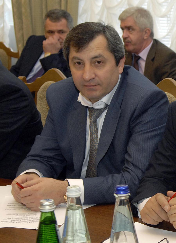 СМИ: Вице-премьер Дагестана задержан в Москве по подозрению в мошенничестве