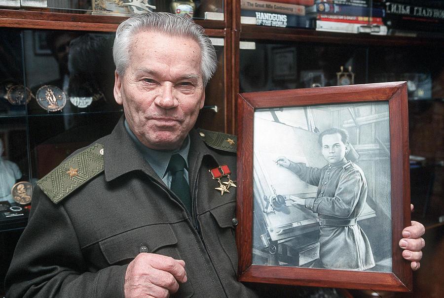 Михаила Калашникова доставят из Ижевска в московскую больницу