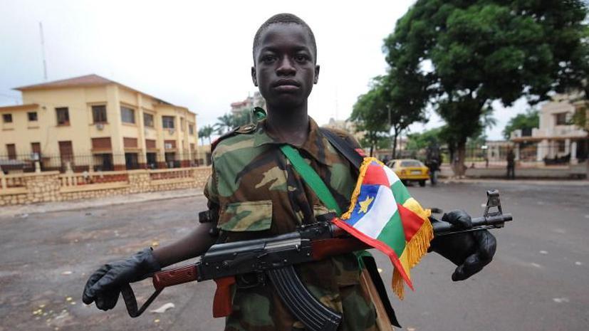 ООН потребовала от Центральноафриканской Республики прекратить вербовку детей-солдат