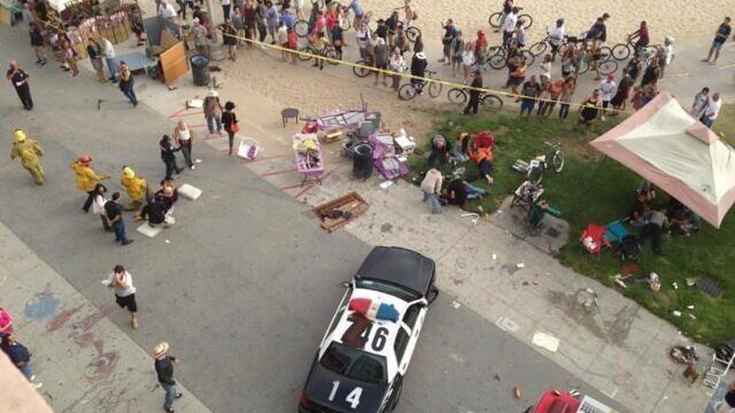 Автомобиль въехал в толпу в Лос-Анджелесе, есть жертвы