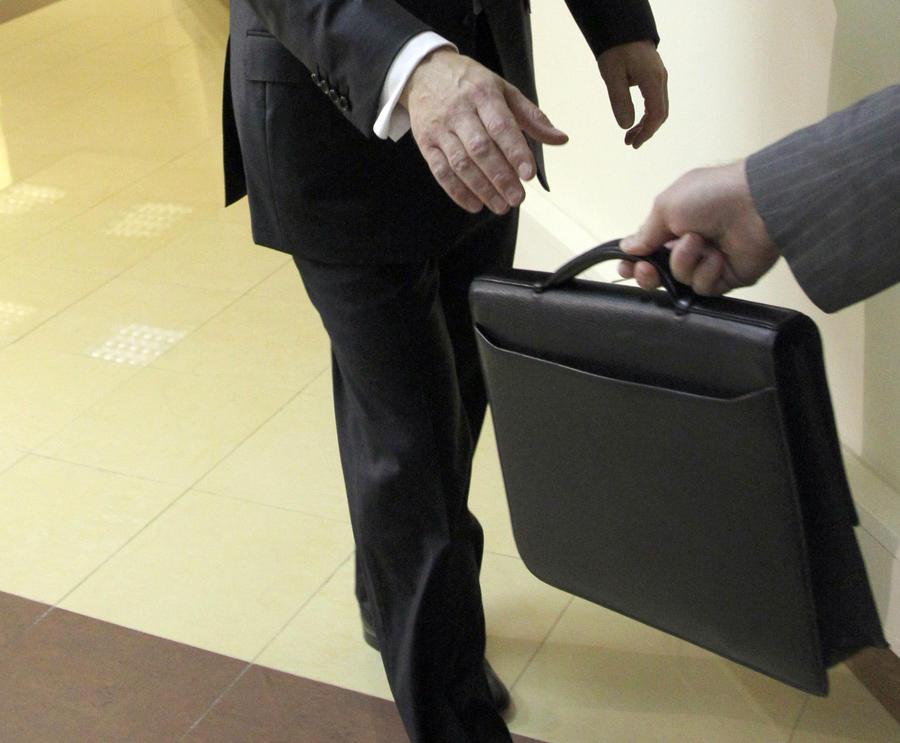 Международный опрос: каждый четвёртый человек в мире даёт взятки