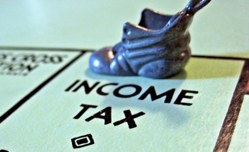 Богатые французы будут платить повышенный налог с 2014 года