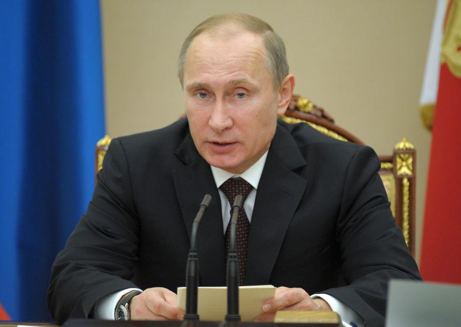 Владимир Путин: Амнистия в России востребована, но проводить её надо осторожно